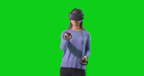 Woman-Playing-VR-on-Green-Screen