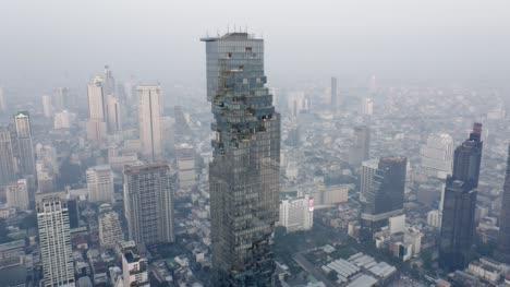 MahaNakhnon-Skyscraper-in-Bangkok