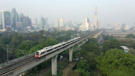 Skytrain-Leaving-Bangkok