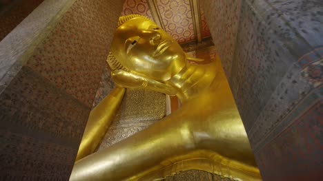 The-Reclining-Buddha-Wat-Pho-Temple-03